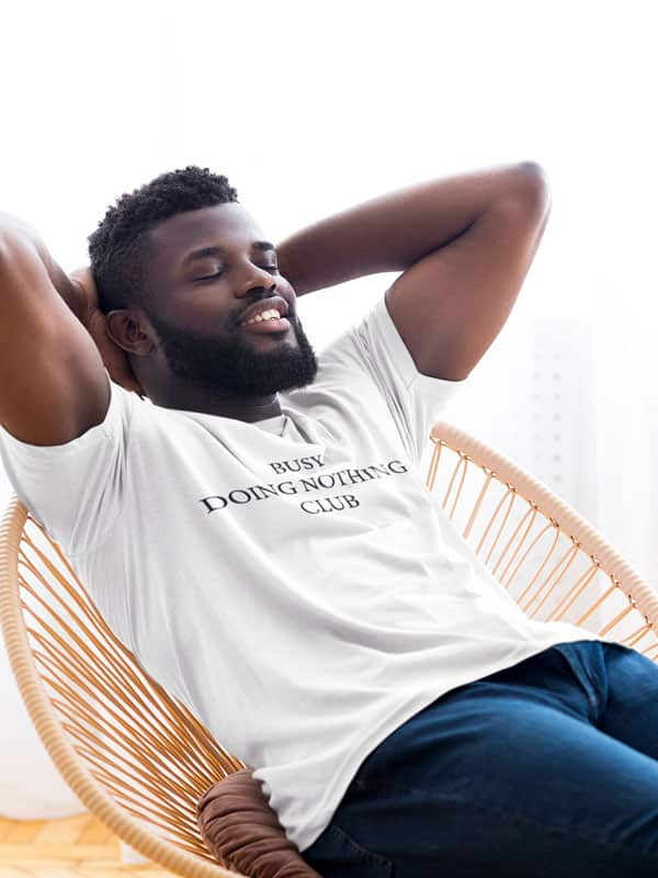 Busy Doing Nothing Club T-Shirt met Tekst