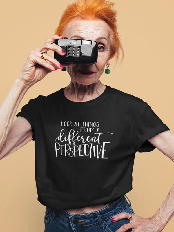 Look at Things from a different perspective t shirt zwart