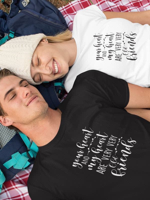 Your Heart and My Heart are Very Old Friends Tekst T-Shirts